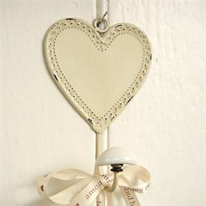 Cream hanging heart hook