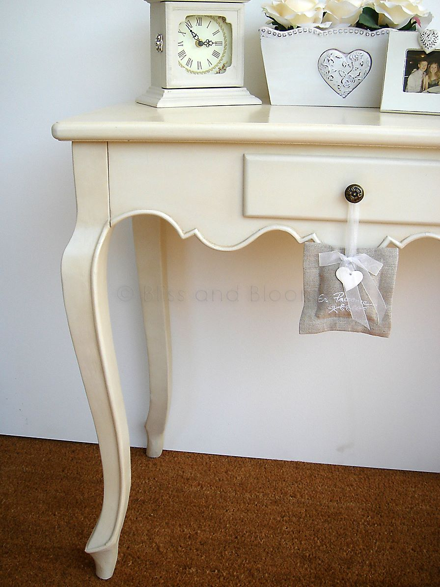 Elegant Cream Console Table Bliss And Bloom Ltd
