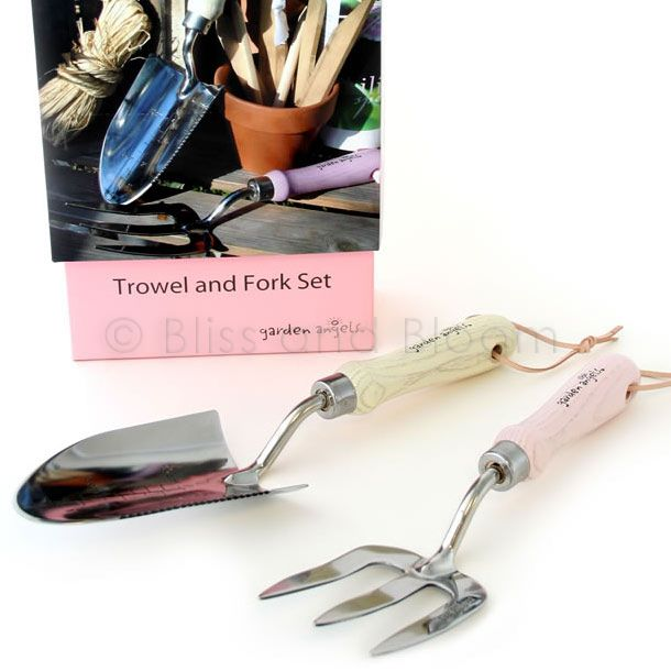 Garden tool set trowel fork bliss and bloom ltd for Garden trowel and fork set