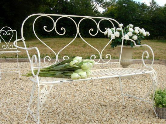 Cream Heart Garden Bench Bliss And Bloom Ltd