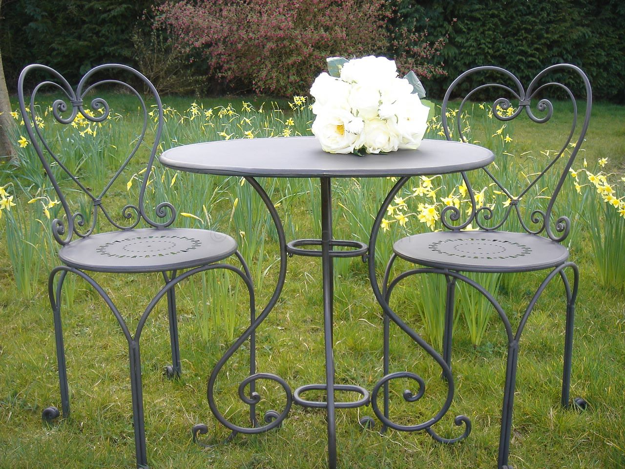 Black Heart Back Bistro Set Bliss And Bloom