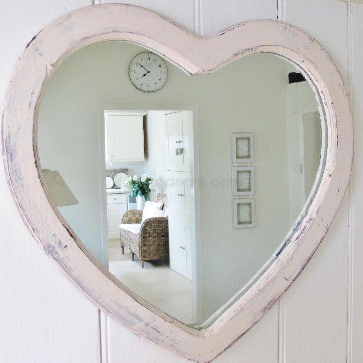 Preferred Large cream heart wall mirror | Bliss and Bloom Ltd KU43